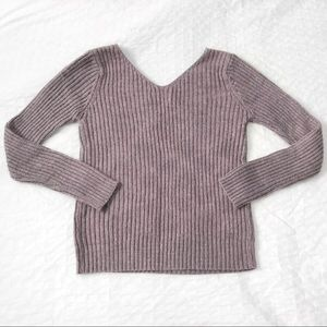 Lilac v-neck sweater